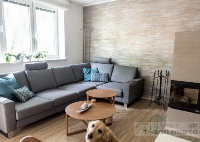 Obývací pokoj s krbem – MARMO ANTICO S 3 DRUHY PATINY
